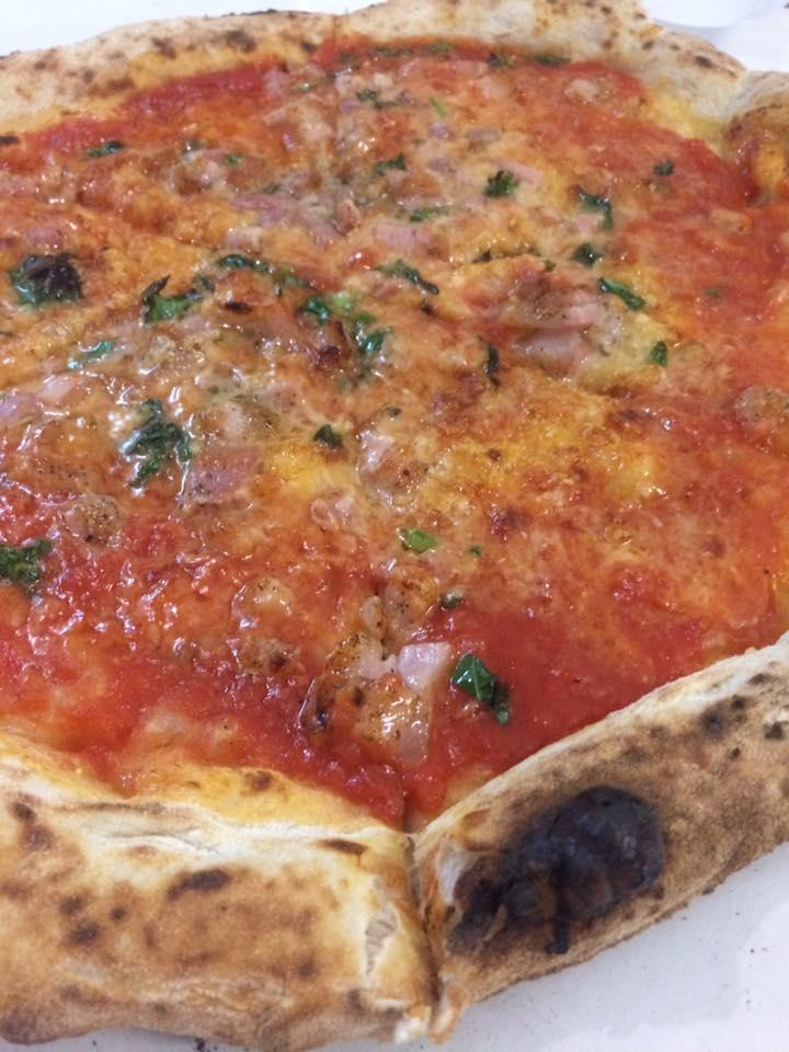Carminuccio, zoom sulla pizza caminuccio