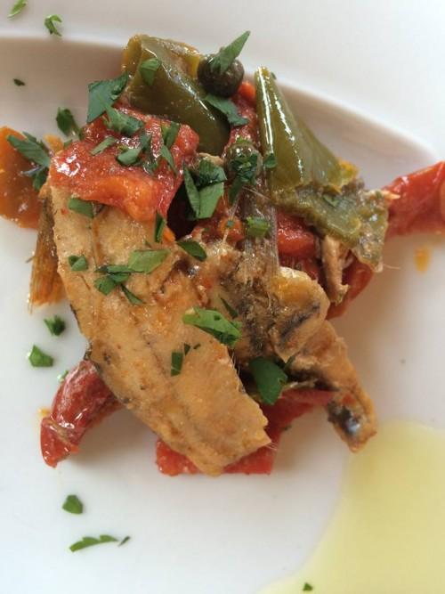 Da Lucrezia, pesce azzurro ai peperoni