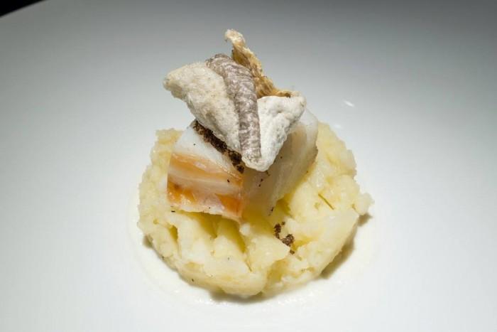 Essenza, baccalà, patata, aglio dolce e caffè