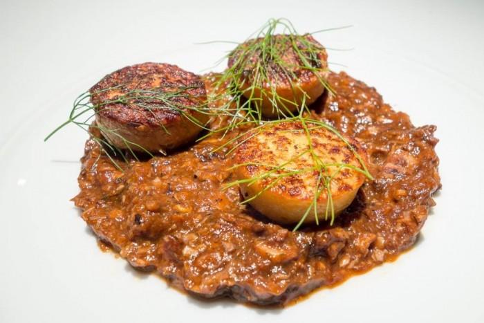 Essenza, gnocchi di patate croccanti e ragù di polpo al finocchietto selvatico