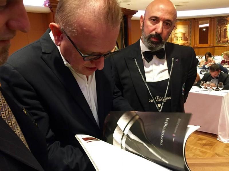 Geoffroy sfoglia la rivista Bibenda