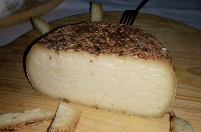 Il Casolare, formaggio di bufala affinato con karma