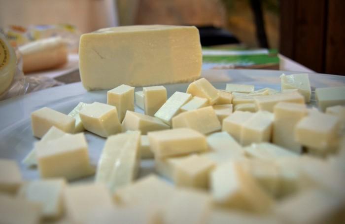 Il Cilento nel piatto e nel bicchiere, il formaggio di capra cilentana