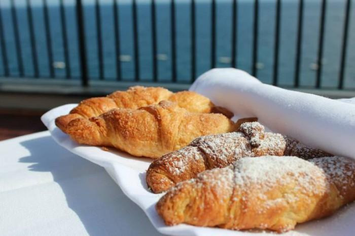 Jk Place Capri, croissant