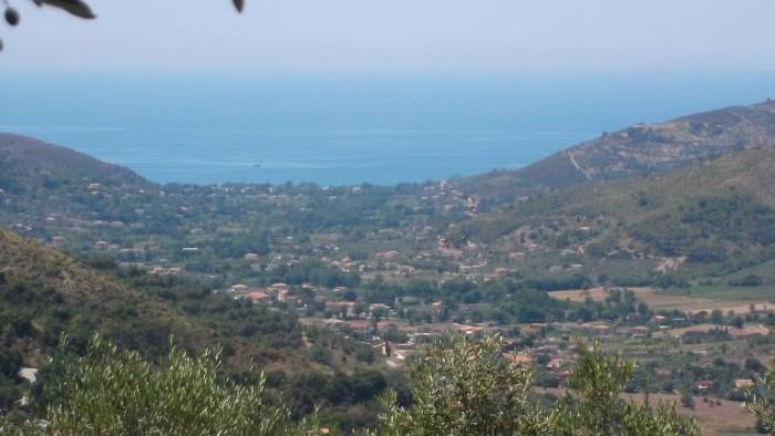 Paragano, panorama di Santa Maria di Castellabate