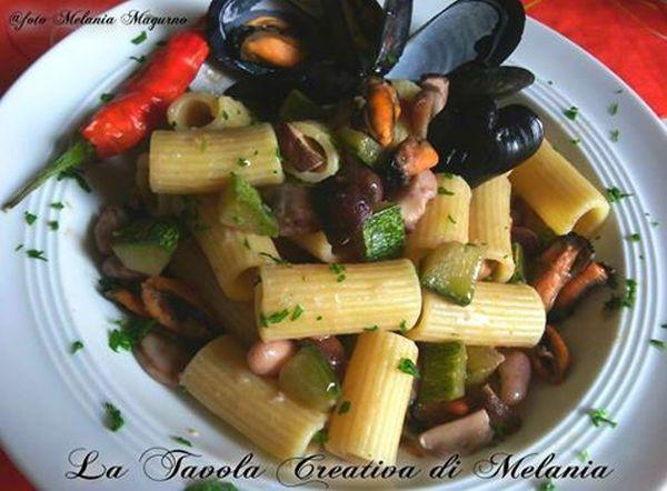 Pasta con fagioli, cozze e zucchine