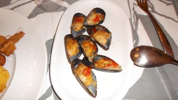 Trattoria La Vinaigrette, cozze al gratin