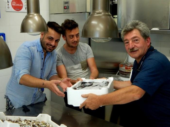 da sx, Riccardo Faggiano titolare del ristorante Evù, Mirko Balzano lo chef-folletto e il sottoscritto