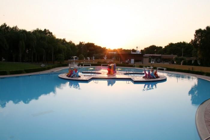 Coppola, piscina