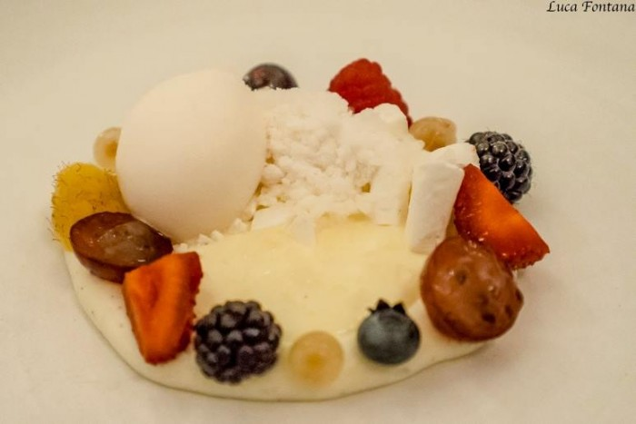 Eleven Madison Park, frutti di bosco con cheesecake, ribes e more
