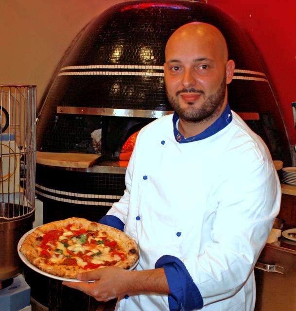Francesco Gallifuoco Ristorante Pizzeria caffe Franco a Napoli