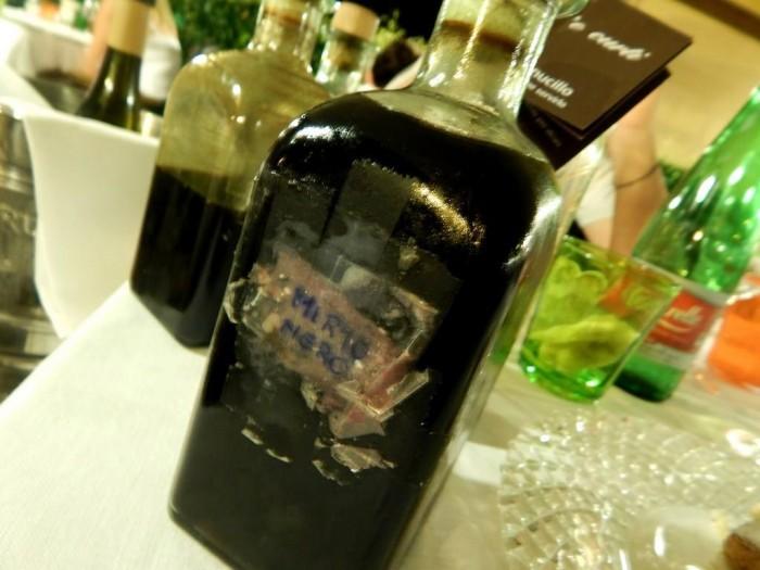 Lo Stuzzichino, liquore di mirto fatto in casa