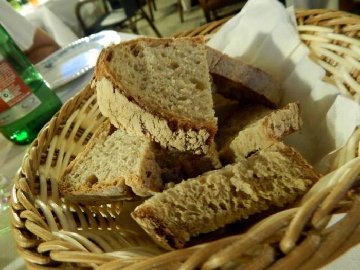 Lo Stuzzichino, pane cotto a legna