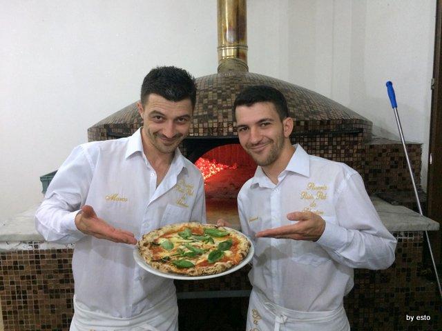 Marco ed Emanuele Marigliano Pizzeria Salvatore a Parete
