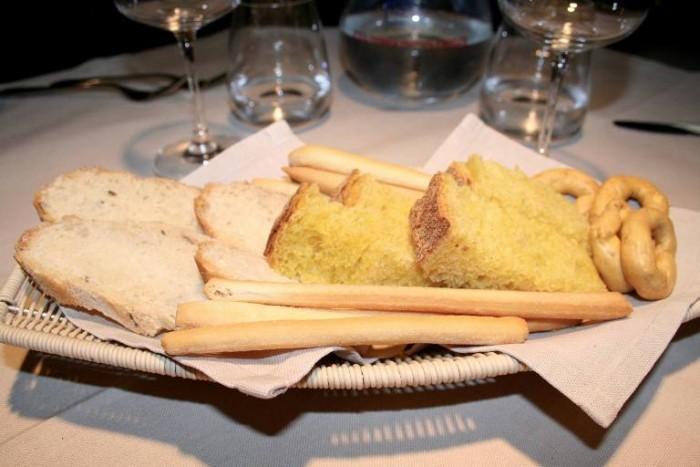 Minghino, cestino di pane