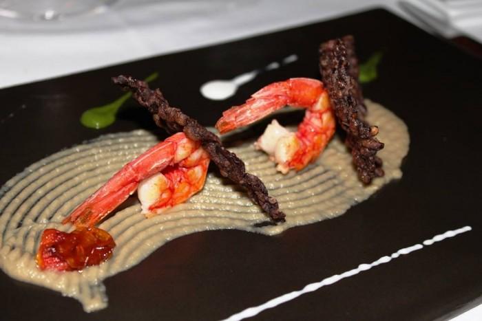 Il Refettorio del Monastero Santa Rosa, gamberi con parmigiana di melanzane scomposta