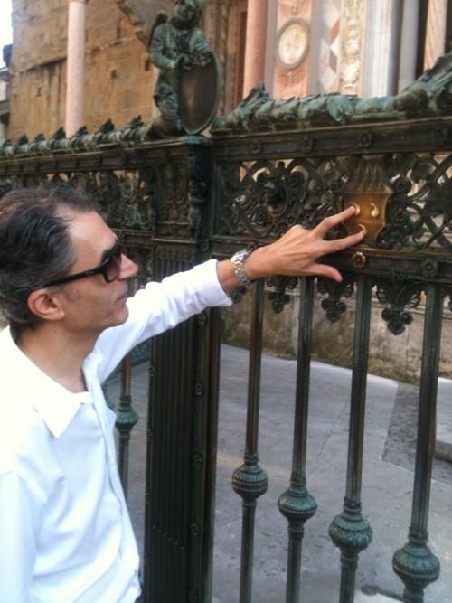 Morodei, in missione segreta a Bergamo, conta i tre testicoli del condottiero Bartolomeo Colleoni :)