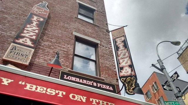 New York Lombardi's Pizza The First a Little Italy