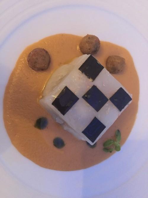 Quattro Passi. scampi, mozzarella e crema di parmigiana di melanzane