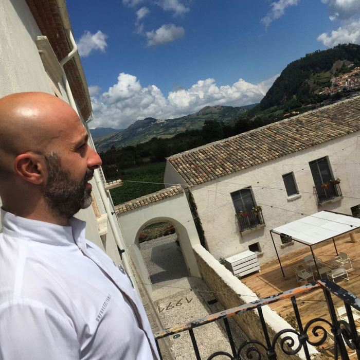 Reale Casadonna, Niko Romito sullo sfondo lo spazio dedicato alla formazione
