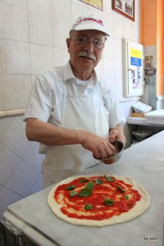 Salvatore Esposito pizzaiuolo storico di Carmnella