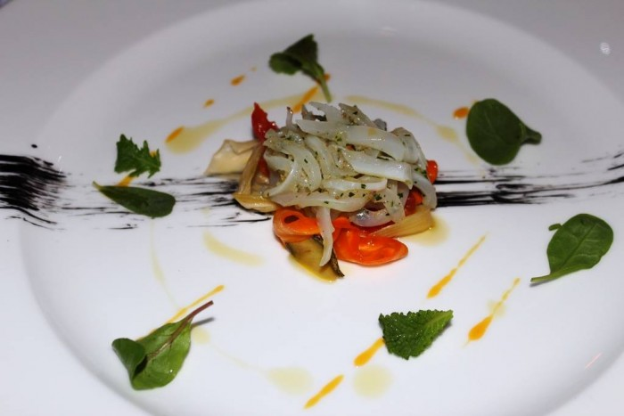 Scrajo, calamaro, verdurine in agrodolce, salsa di arancia amara