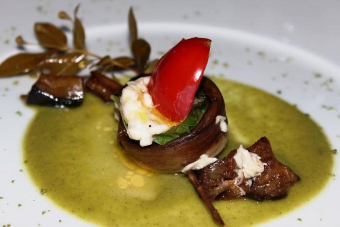 Taverna del Capitano, dentice imperiale con profumo di mirto selvatico con pomodoro e melanzana, salsa di zucchine