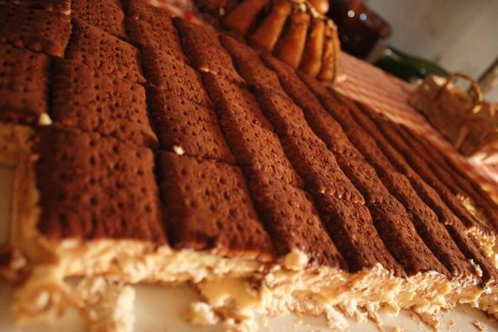Una serata tra amici Al Paese, torta di gallette