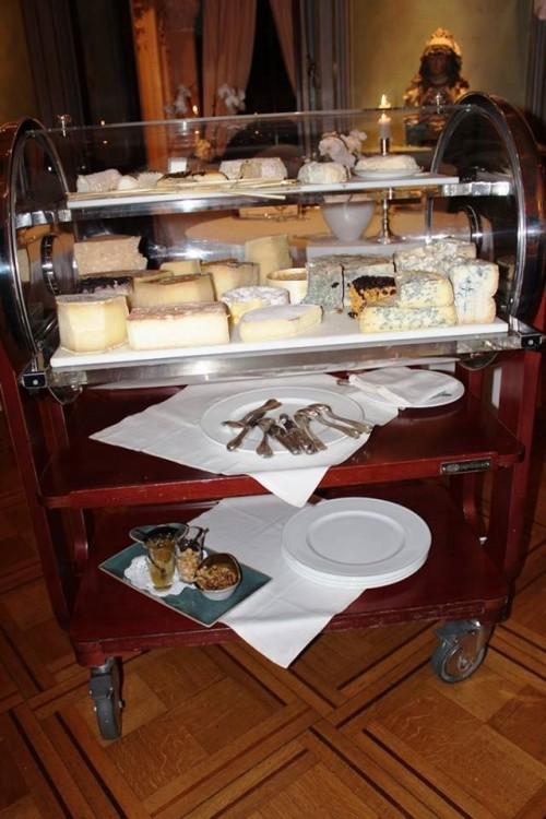 Villa Crespi, carrello dei formaggi
