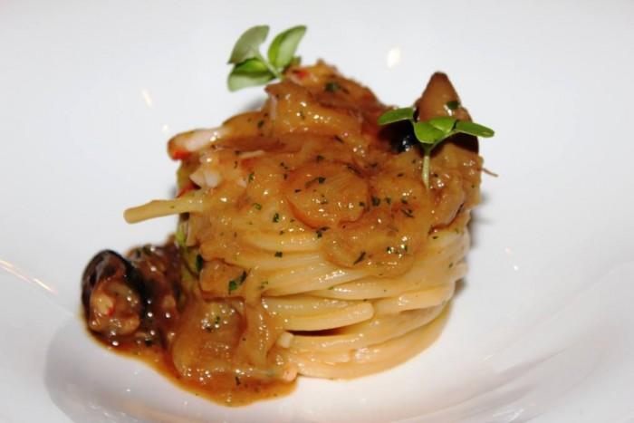 Villa Crespi, spaghetti alla genevose con lumache e gamberi
