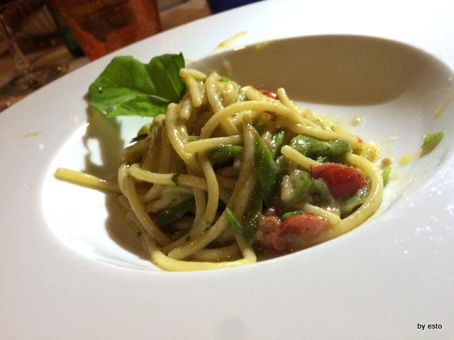 Abraxas bistrot. Spaghettini alici e peperoncini verdi