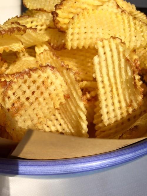 Acquablu, sfoglie di patate fritte