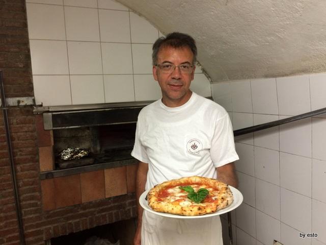 Antica Osteria Pizzeria Pepe Nino Pepe e la pizza margherita