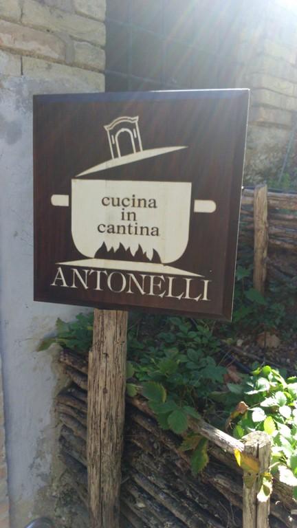 Antonelli, cucina in cantina