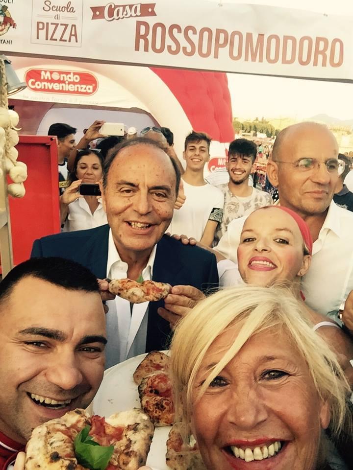 Bruno Vespa al Pizza Village di Napoli