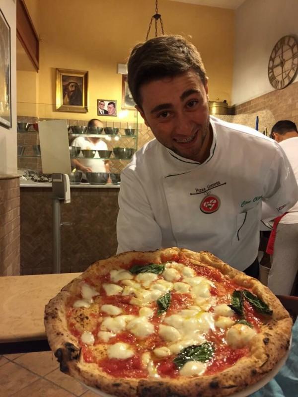 Pizza margherita ciro oliva