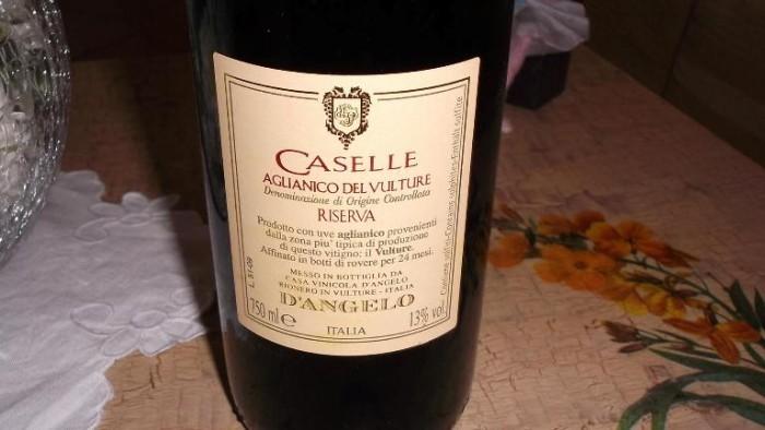 Controetichetta Caselle Aglianico del Vulture Doc Riserva 2009 D'Angelo