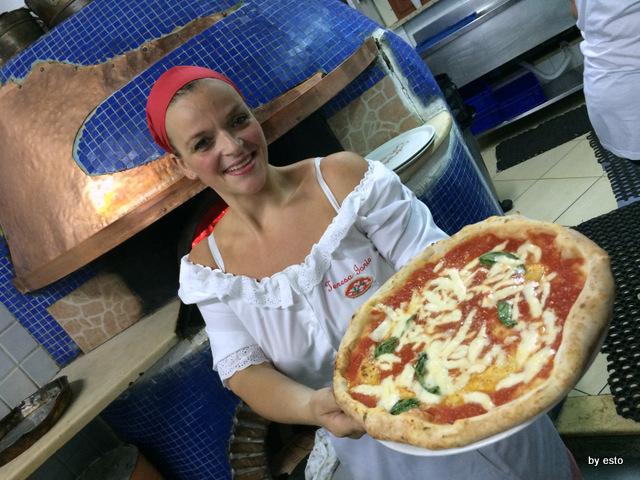 Dalle Figlie di Iorio Teresa e la pizza margherita