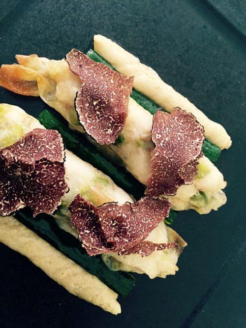 Don Alfonso, salsiccia di pezzogna, pistacchi, mozzarella zucchine e tartufo nero con salsa candita. 2013
