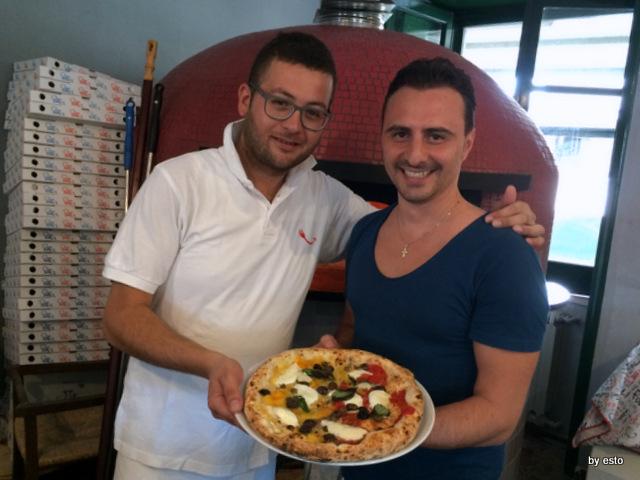 Genuino. Stefano de Simone e Paolino Natale. Pizza capperi olive acciughe