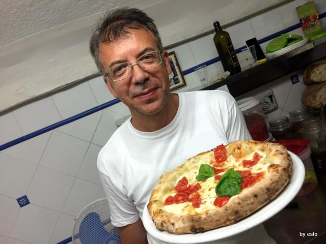 Antica Osteria Pizzeria  Pepe Nino Pepe la pizza con bufala e pomodorini fresch