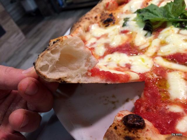 Lo Scialatiello. Carmine Granato la struttura della pizza