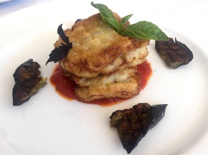 Mammà, parmigiana di  pesce bandiera, melanzane e salsa di gorgonzola