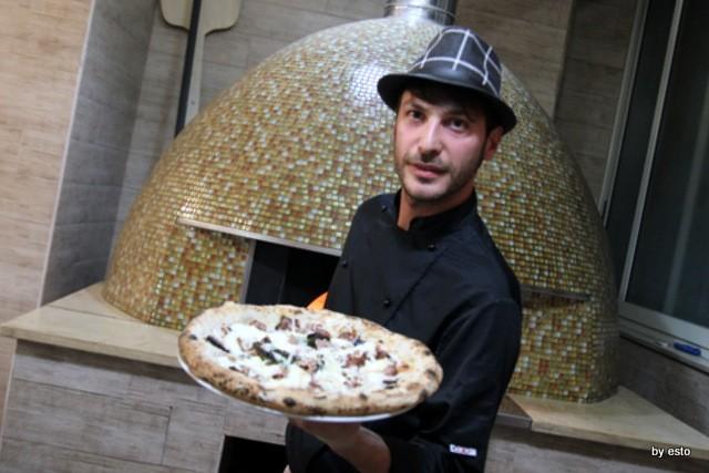 Paradise. Salvatore Lioniello la pizza Parmigiana del campione
