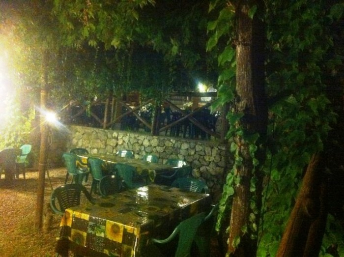 Pizzeria Belvedere,  terrazza nel verde