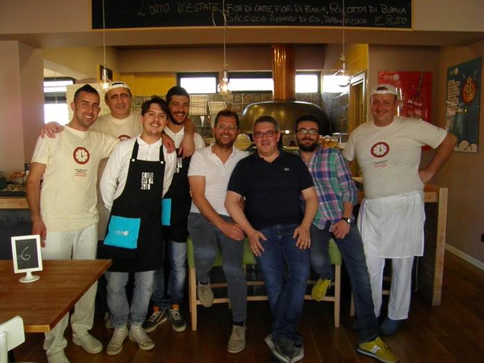 Lo staff della Pizzeria da Zero Vallo della Lucania