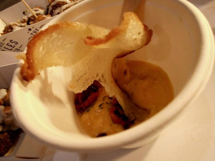 StreEat Mood, zuppa di zucca al tartufo di Bagnoli e pomodorino confit