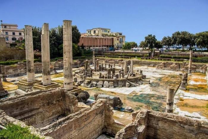 Tempio di Serapide, il Macellum - foto di Marina Sgamato