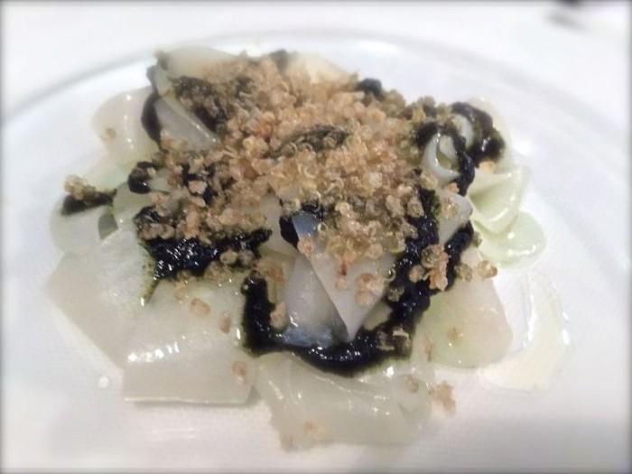 Uliassi, tagliatelle di seppia, con pesto di alghe nori e quinoa fritta