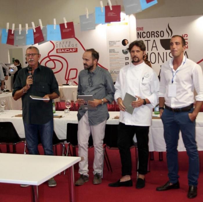 da sinistra  Michele Peragine giornalista, Gabriele de Cosmo poeta, Domenico Cilenti, Leonardo Lorusso responsabile Saicaf